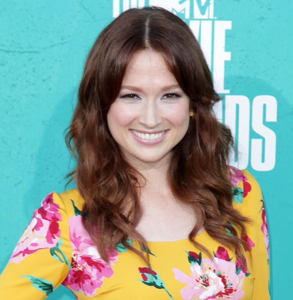 ellie-kemper-2012-mtv-movie-awards-01